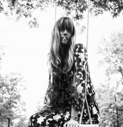 \'70s Folk Goddess