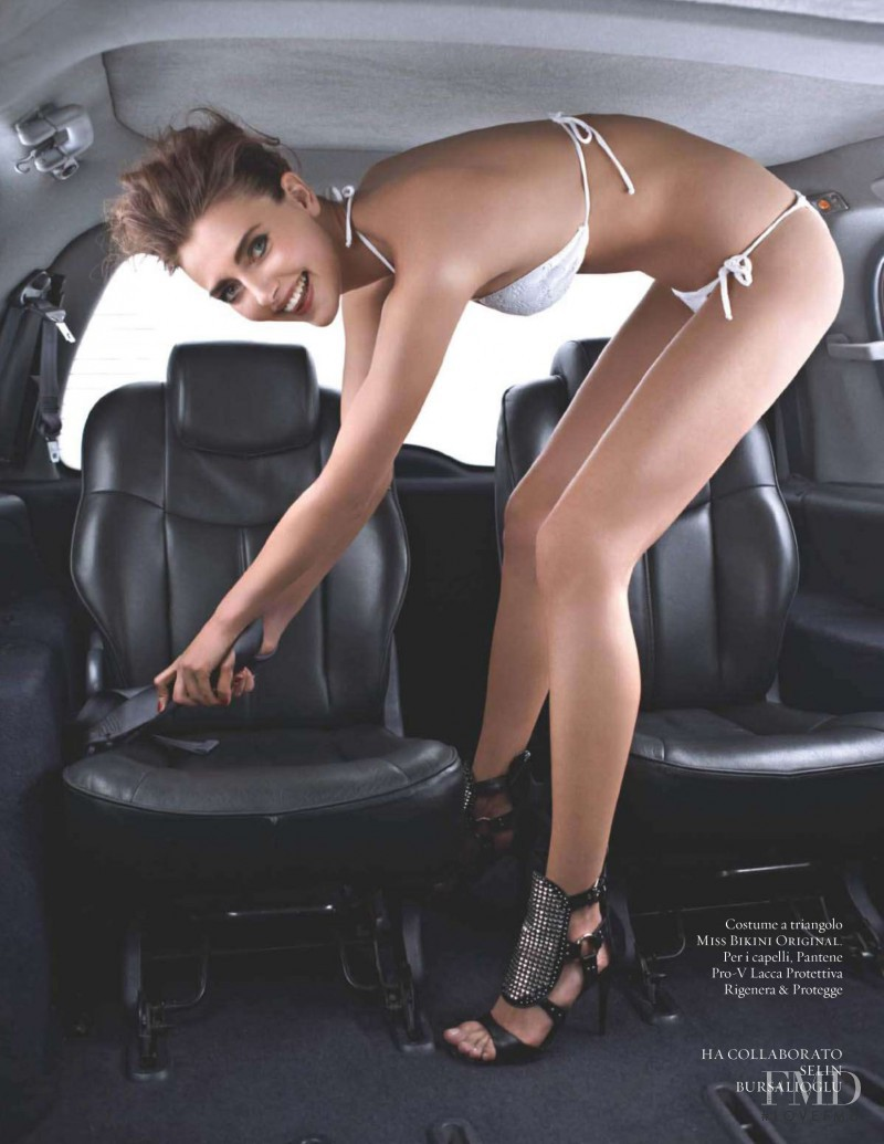 Alina Baikova featured in Verso Malibu, July 2010