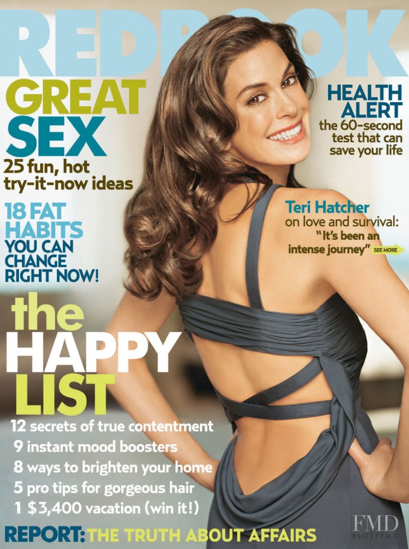 Teri Hatcher featured on the Redbook cover from May 2006