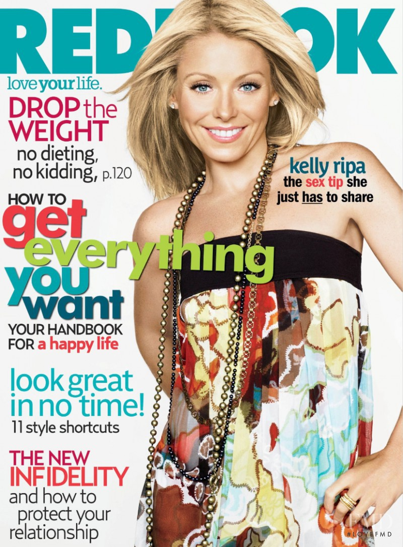 Kelly Ripa featured on the Redbook cover from August 2007