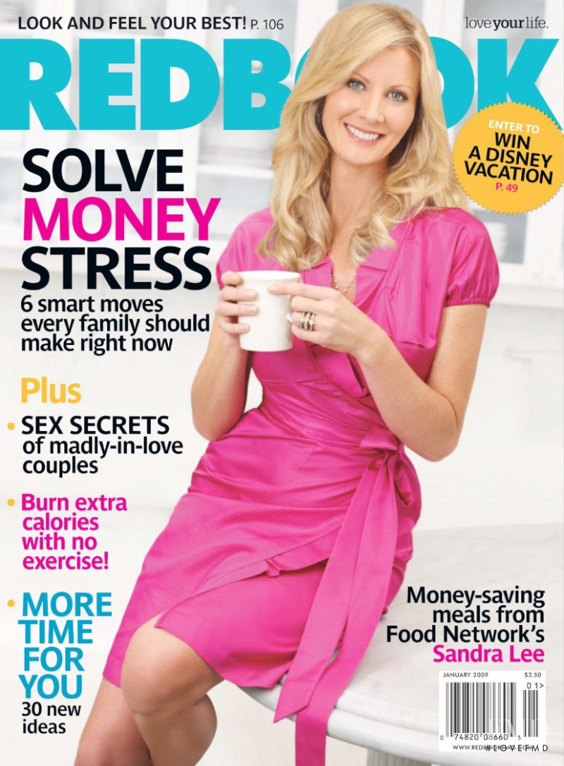 Sandra Lee featured on the Redbook cover from January 2009