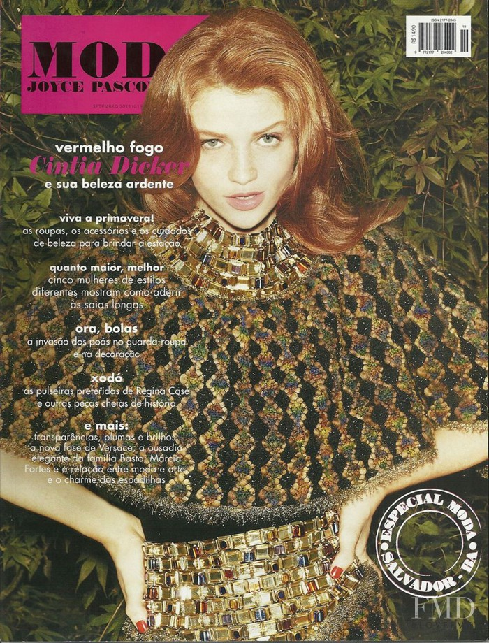 Cintia Dicker featured on the Moda Joyce Pascowitch cover from September 2011
