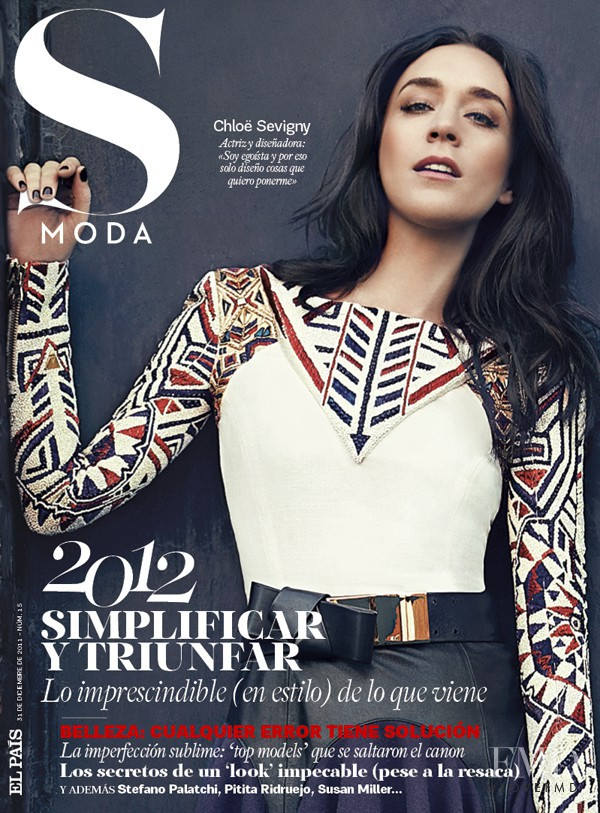 Chloe Sevigny featured on the S Moda cover from December 2011