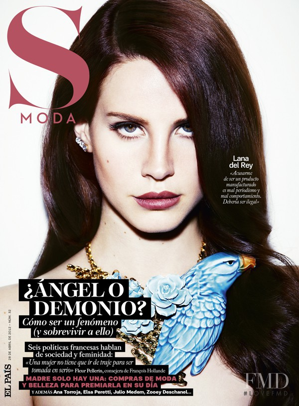 Lana del Rey featured on the S Moda cover from April 2012