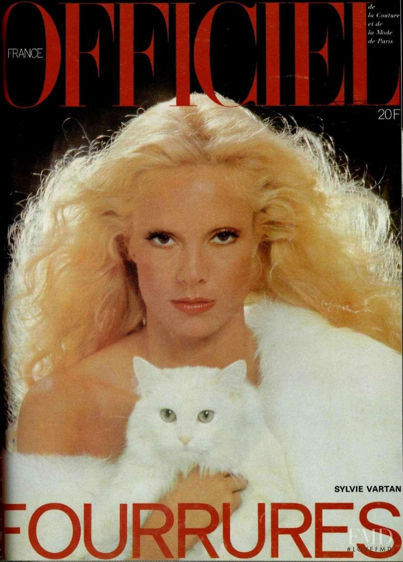 Sylvie Vartan featured on the L\'Officiel France cover from November 1977