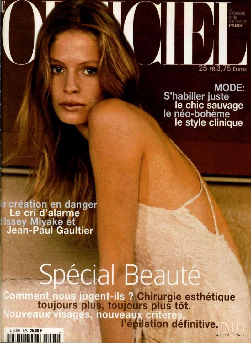 featured on the L\'Officiel France cover from May 1998