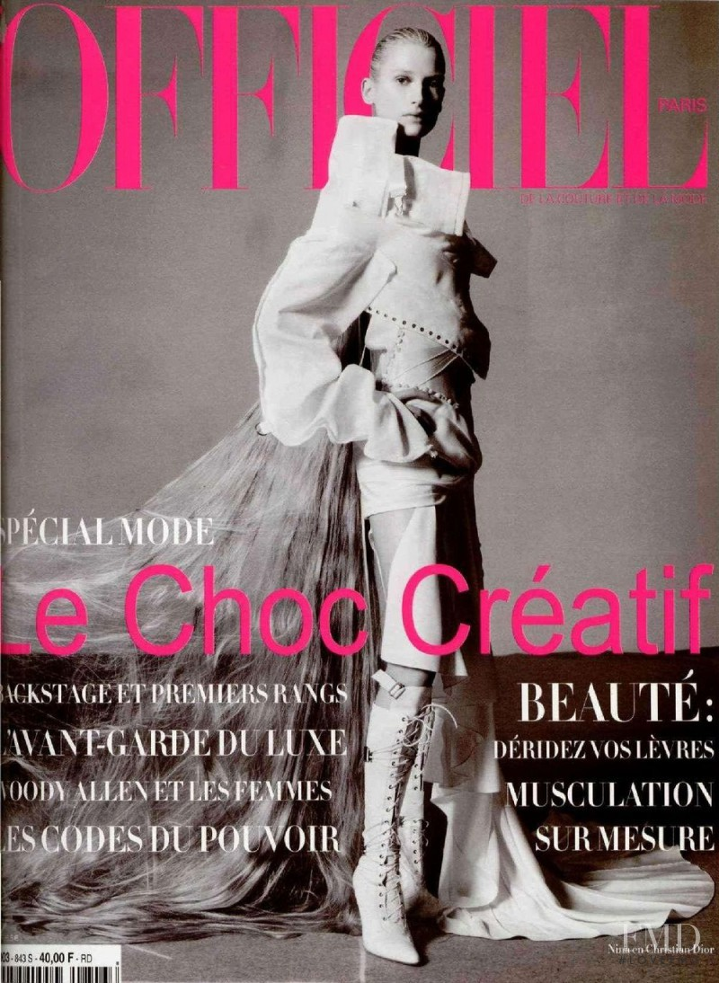 featured on the L\'Officiel France cover from March 2000