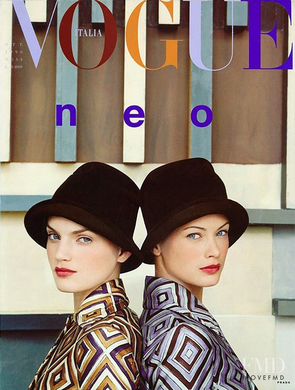 Carolyn Murphy, Guinevere van Seenus featured on the Vogue Italy cover from October 1996