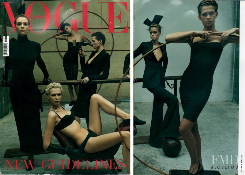Christina Kruse, Jacquetta Wheeler, Trish Goff, Hannelore Knuts, An Oost, Kim Peers featured on the Vogue Italy cover from March 2001