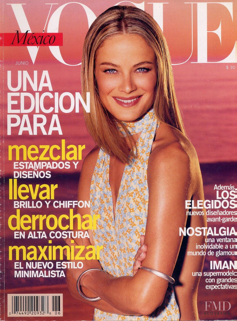 Carolyn Murphy featured on the Vogue Mexico cover from June 2000