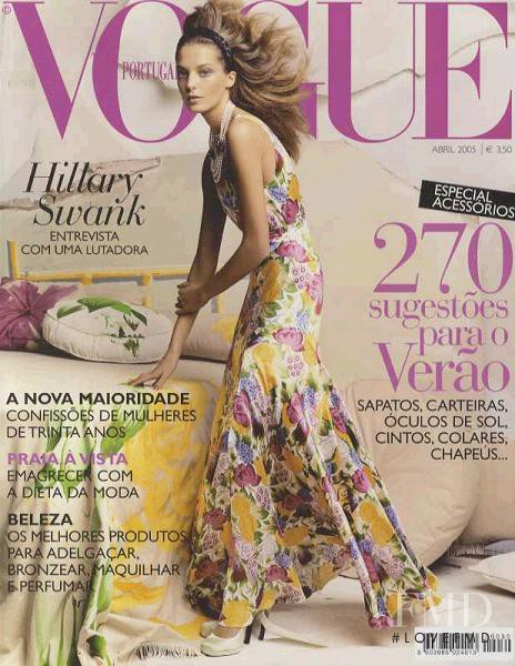 Daria Werbowy featured on the Vogue Portugal cover from April 2005