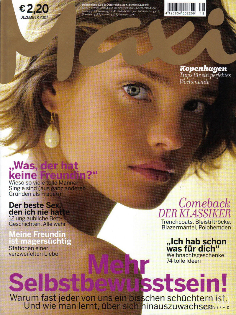 Natalia Vodianova featured on the Maxi Germany cover from December 2007