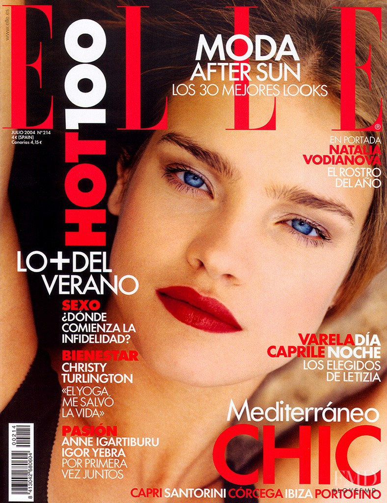 Natalia Vodianova featured on the Elle Spain cover from July 2004