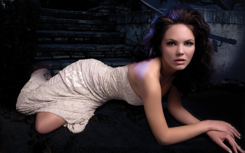 Alessandra Alores