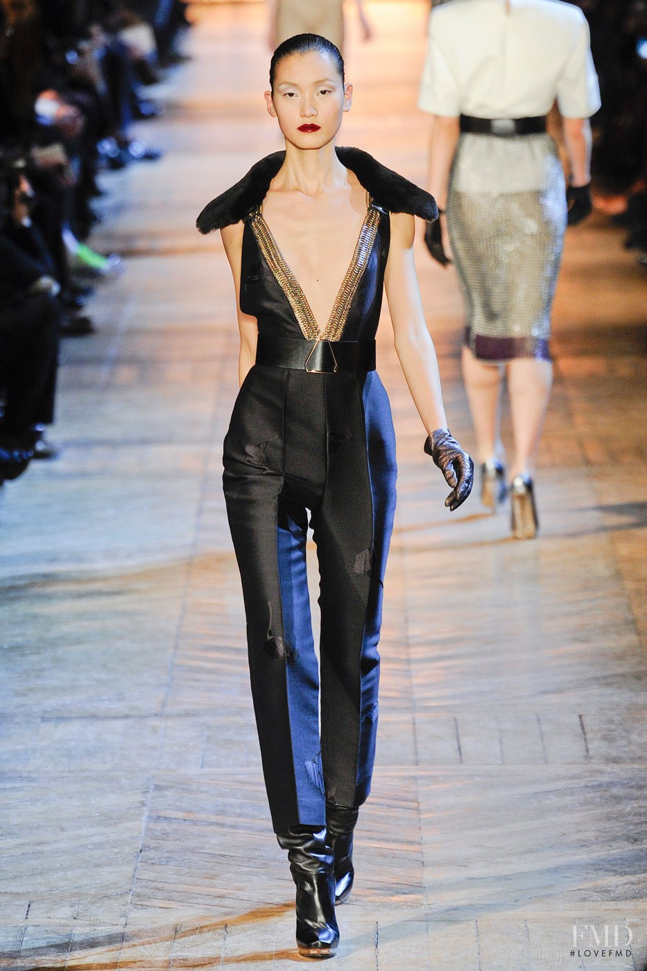 Saint Laurent Spring 2018 Ready-to-Wear Collection - Vogue 78