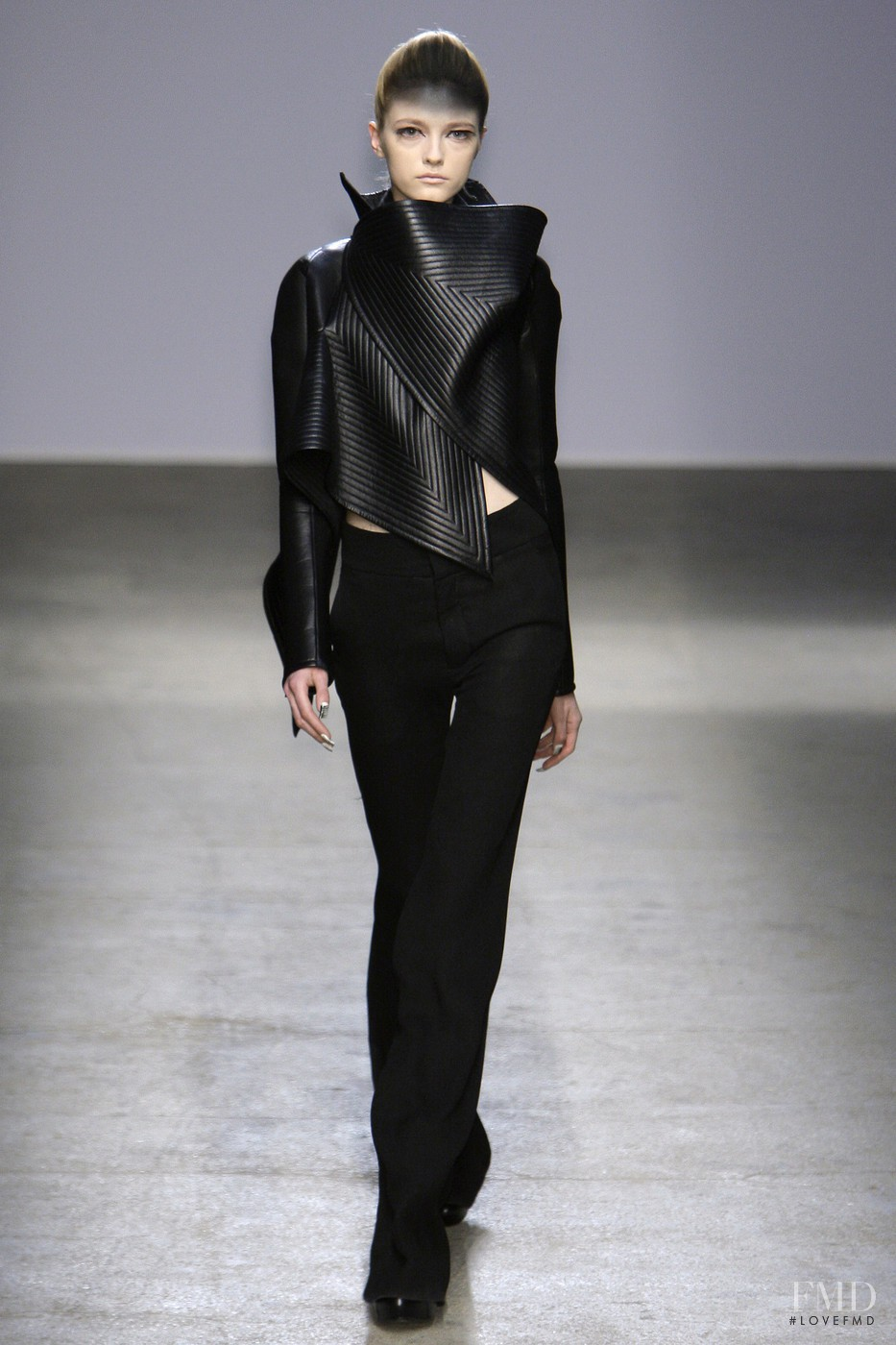 Gareth pugh architectural fashion 10