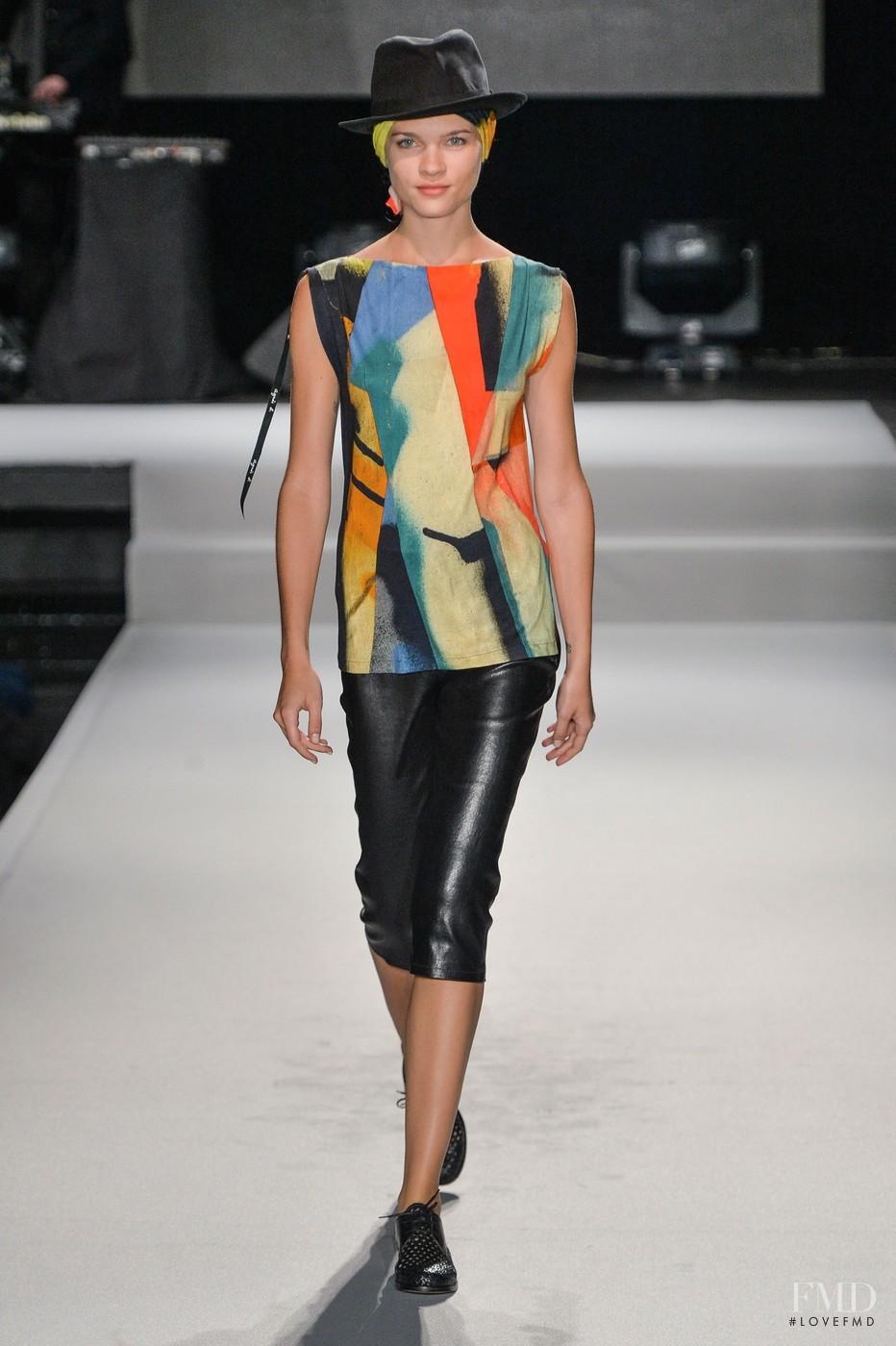 Agnes b fashion show 83