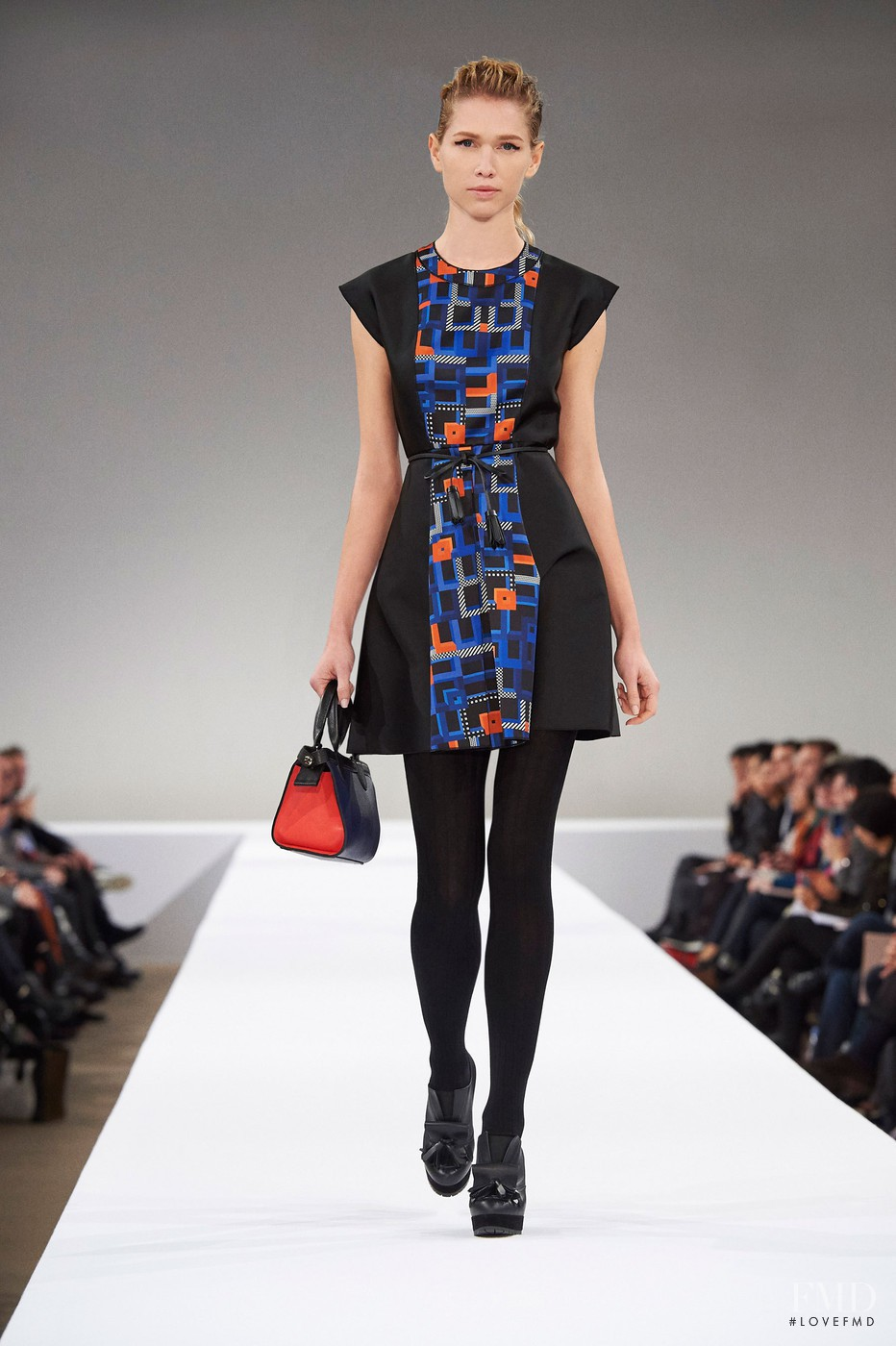Мода 2018 весна для женщин фото повседневные