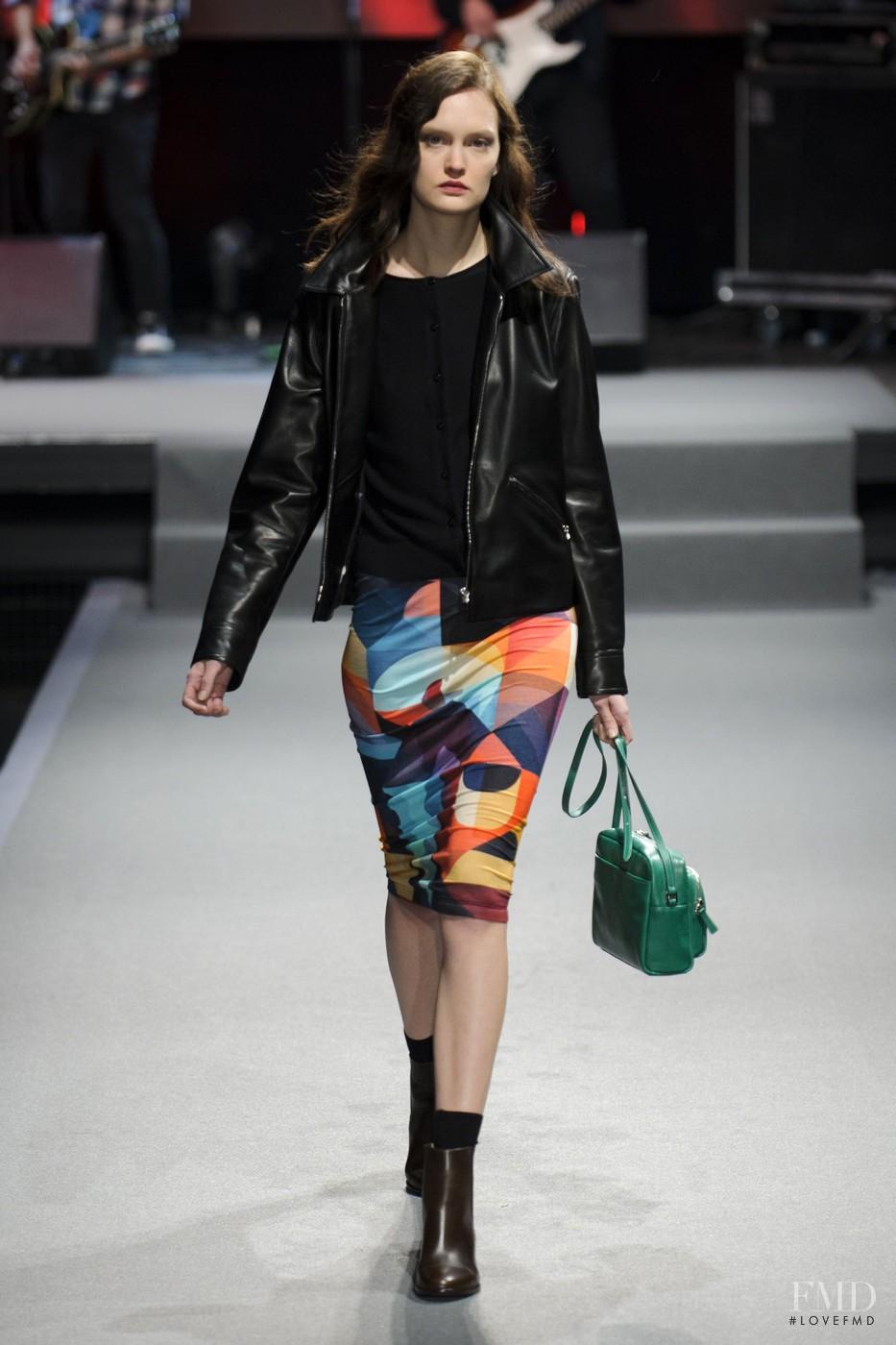 Agnes b fashion show 49