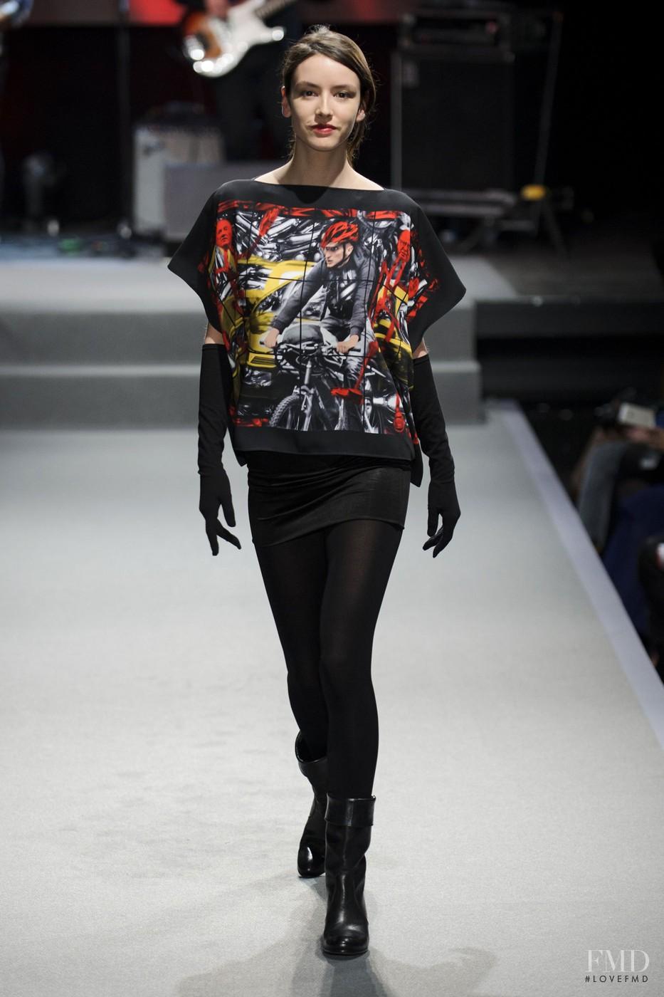 Agnes b fashion show 82