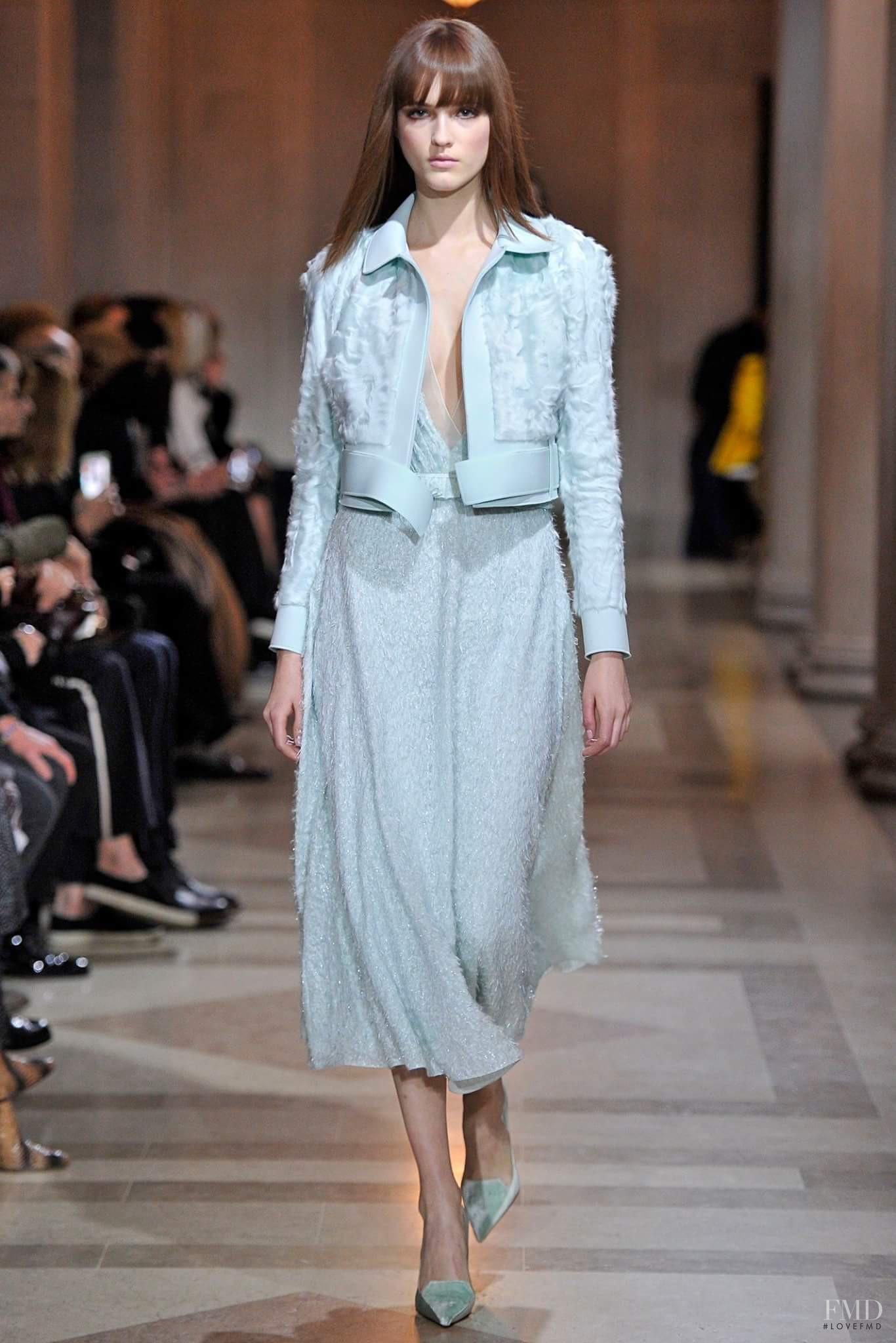 Carolina herrera international fashion designer Carolina Herrera, 35 years of Fashion