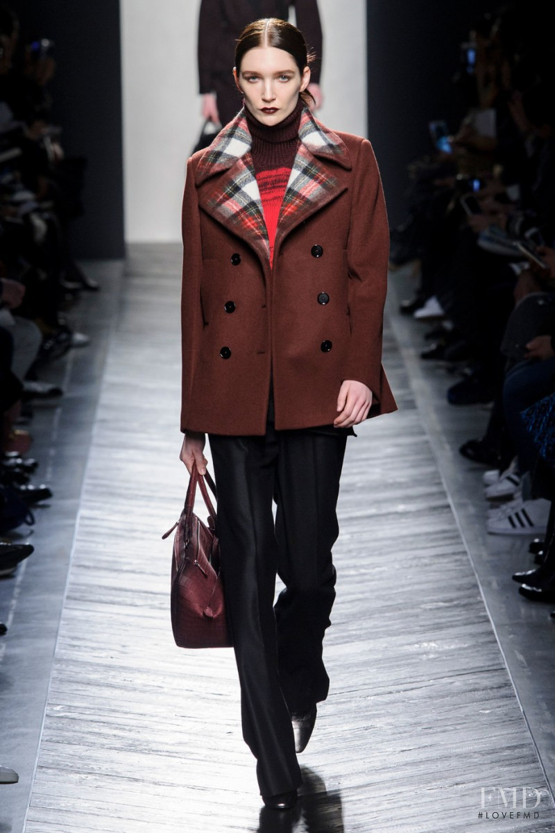 Janice Alida featured in  the Bottega Veneta fashion show for Autumn/Winter 2016