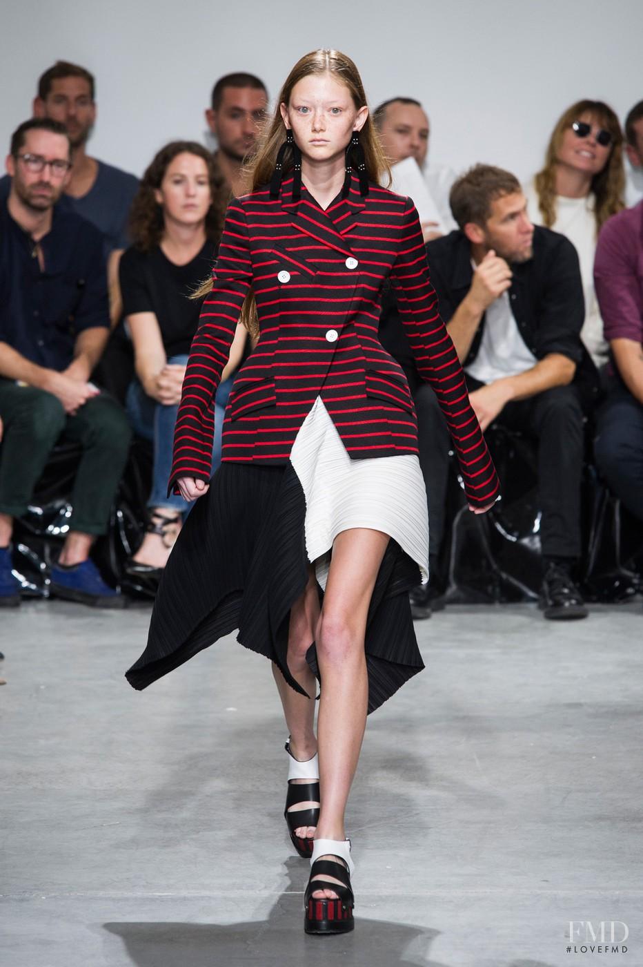 Streaker at fashion week 18