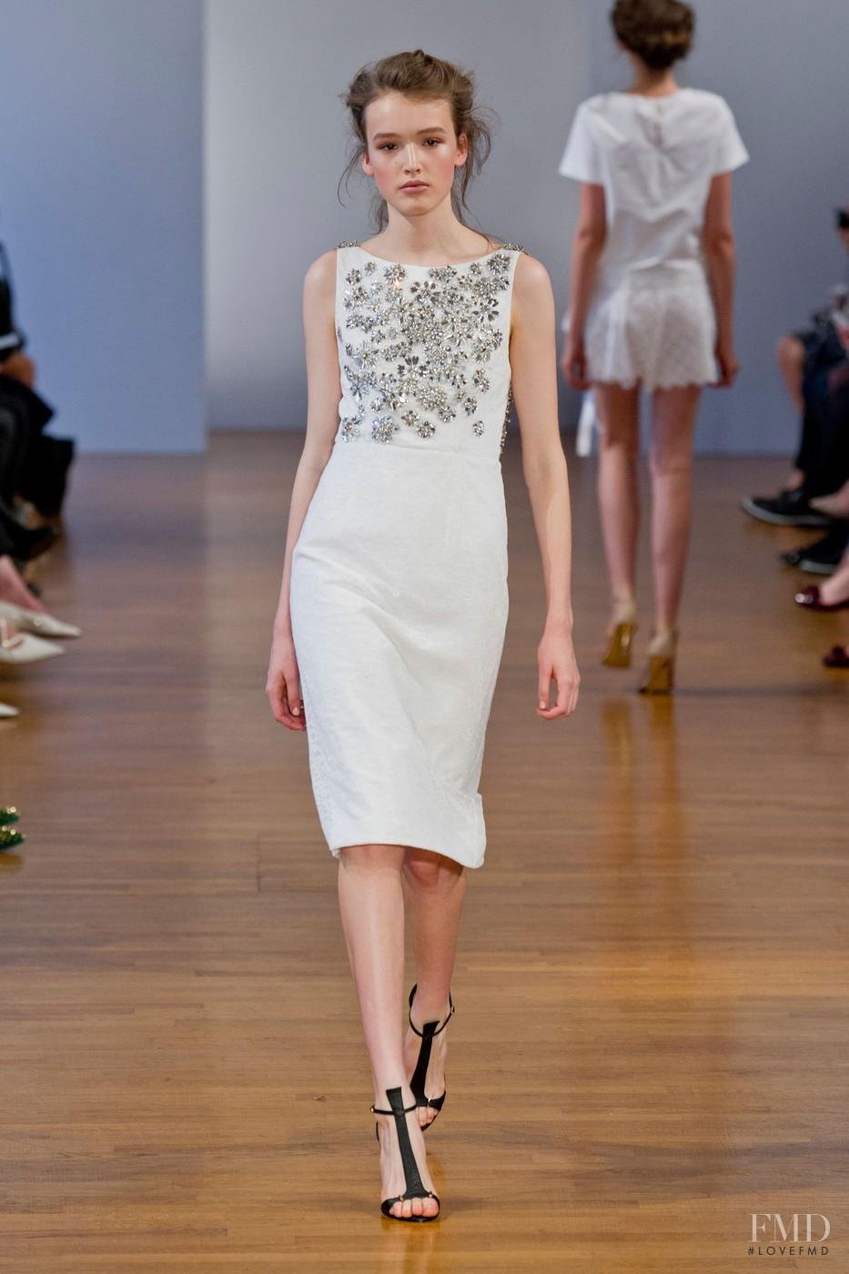 Collette dinnigan fashion show 93