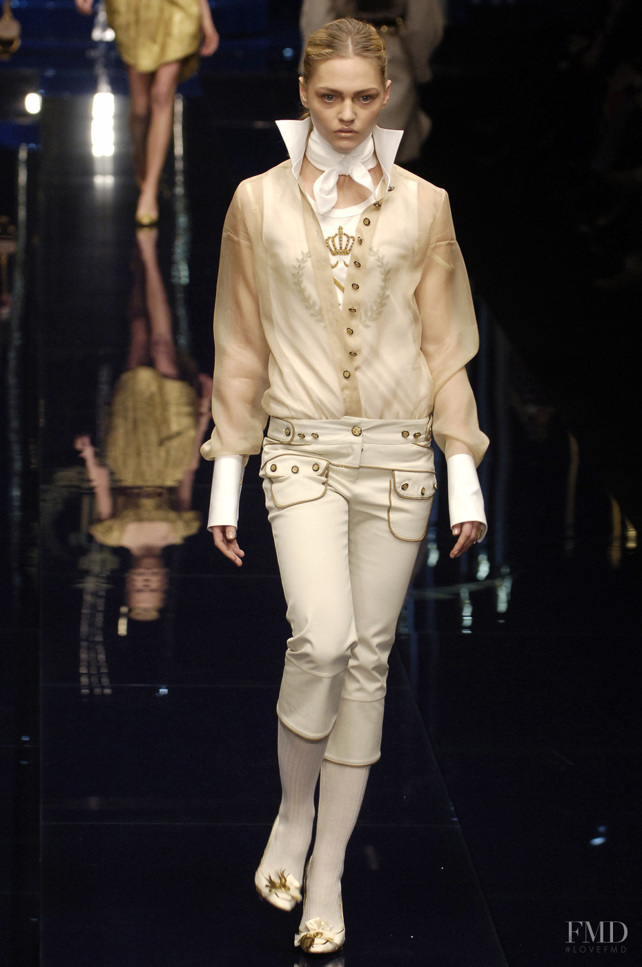 Cruise collection - Wikipedia Autumn winter 2006 fashion