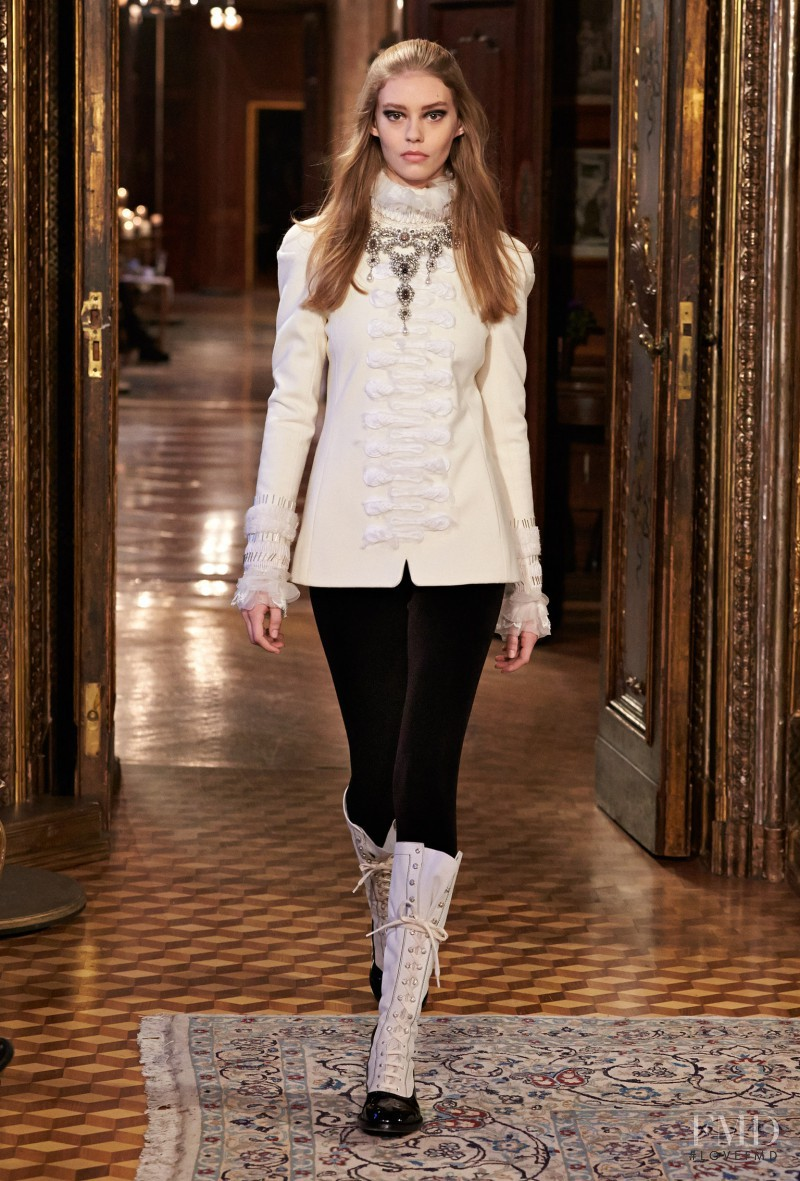 Ondria Hardin featured in  the Chanel fashion show for Pre-Fall 2015