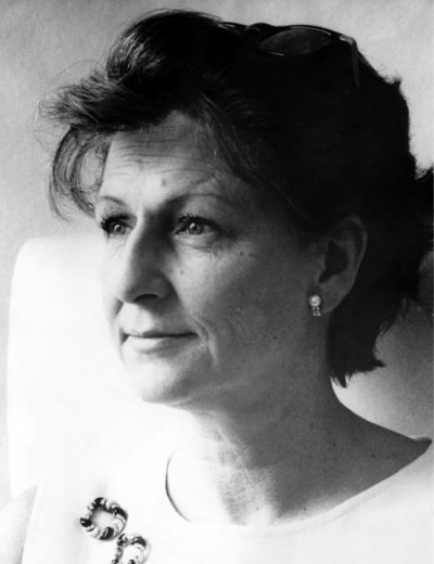 Maria Carmen Nustrizio Schön