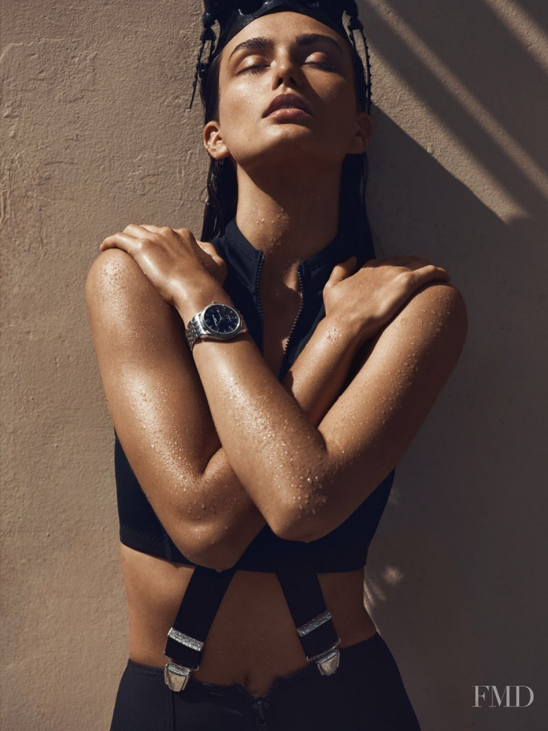 Andreea Diaconu featured in Montres: Boîtes Noires, April 2015