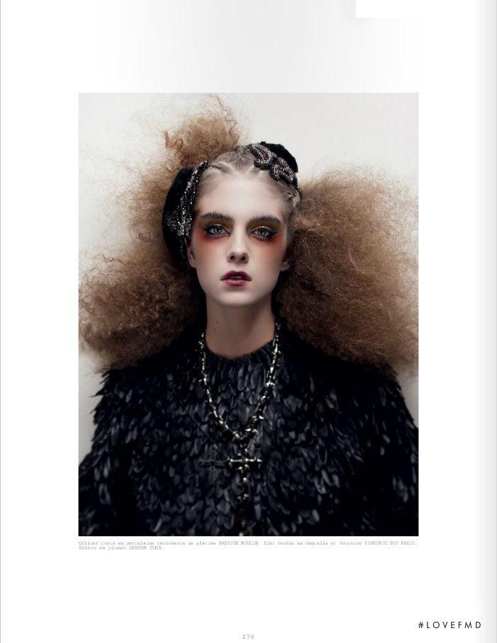 Dolores Doll featured in Divona - Divinita, June 2013