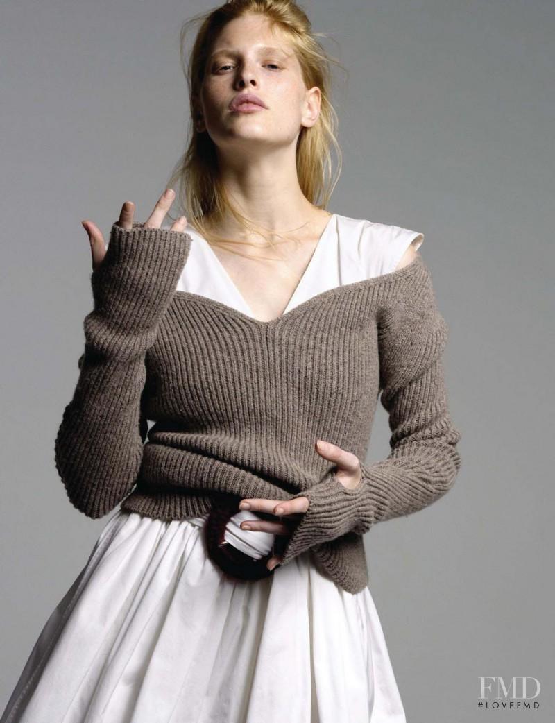 Niki Trefilova featured in Love Is In The Air, December 2016