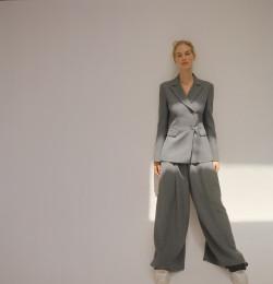 Al Abrigo De La Moda