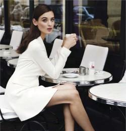 El Glamour Viene De Paris...