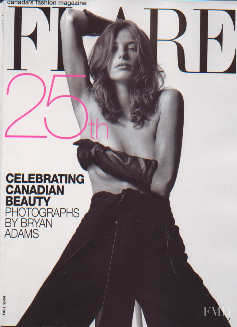 Daria Werbowy featured on the Flare Canada cover from October 2004