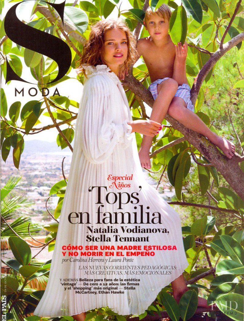 Natalia Vodianova featured on the S Moda cover from October 2011