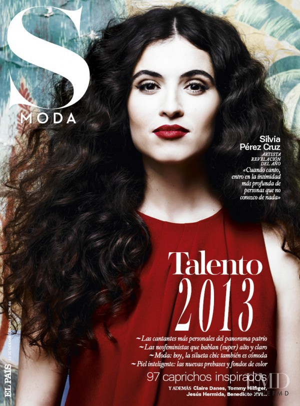 Silvia Perez Cruz featured on the S Moda cover from December 2012