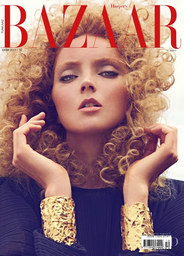 Lily Cole featured on the Harper\'s Bazaar Turkey cover from October 2011