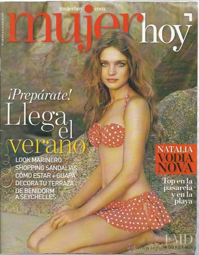 Natalia Vodianova featured on the Mujer Hoy cover from June 2009