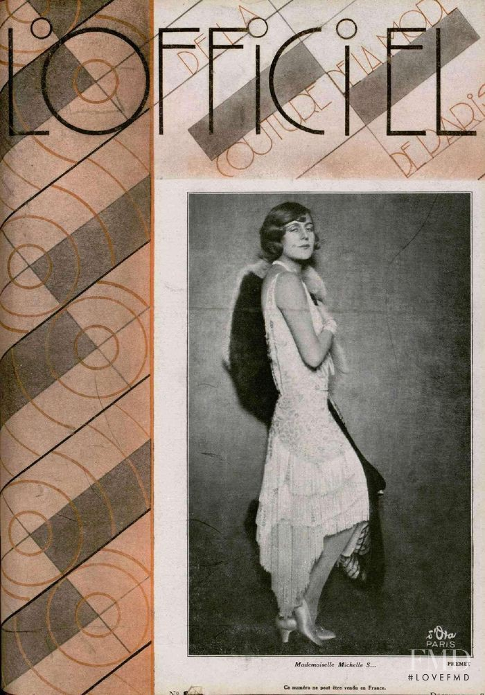 featured on the L\'Officiel France cover from December 1928
