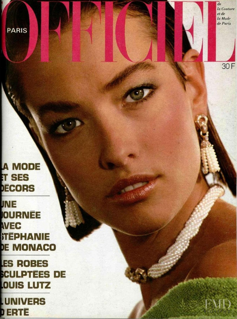 Tatjana Patitz featured on the L\'Officiel France cover from April 1985