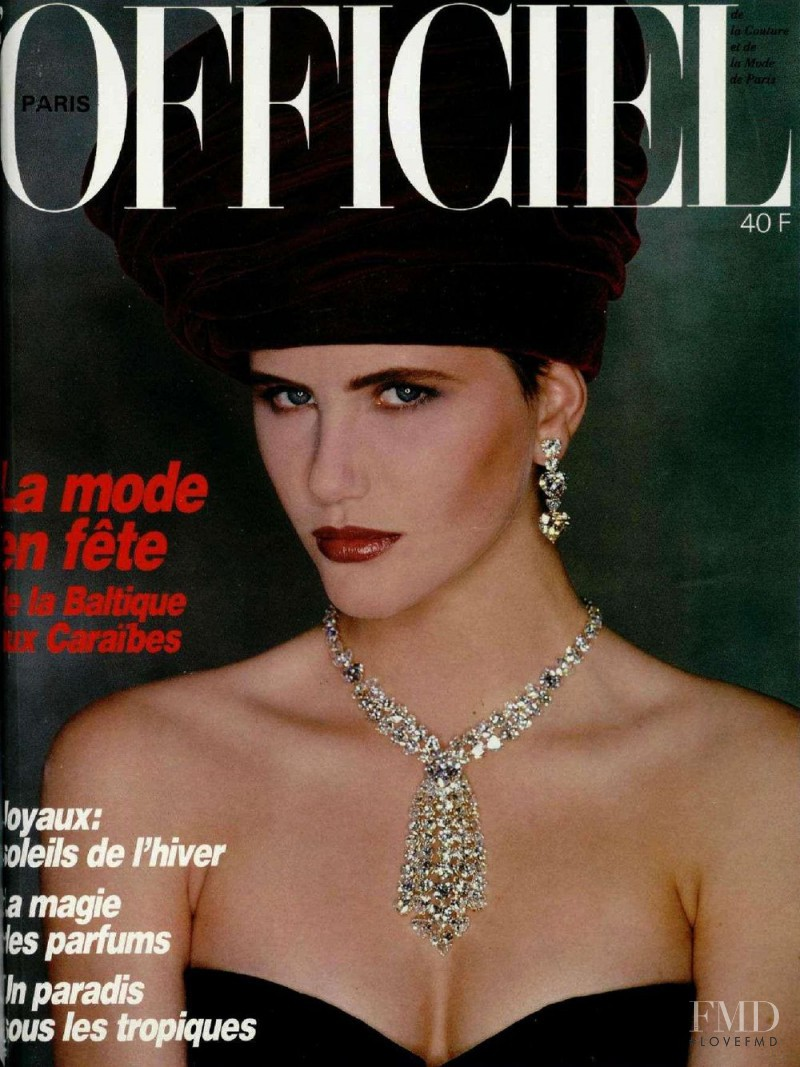featured on the L\'Officiel France cover from December 1986