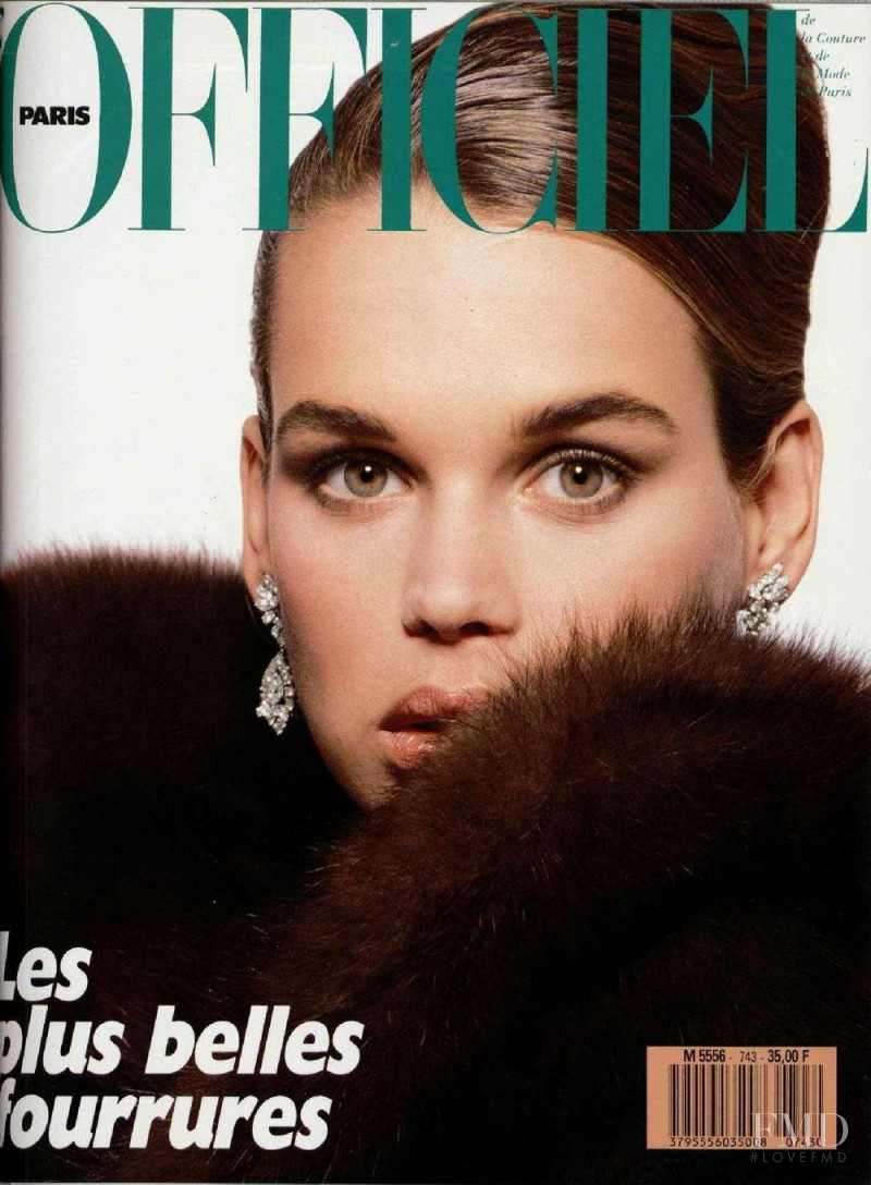 Robyn Mackintosh featured on the L\'Officiel France cover from September 1988