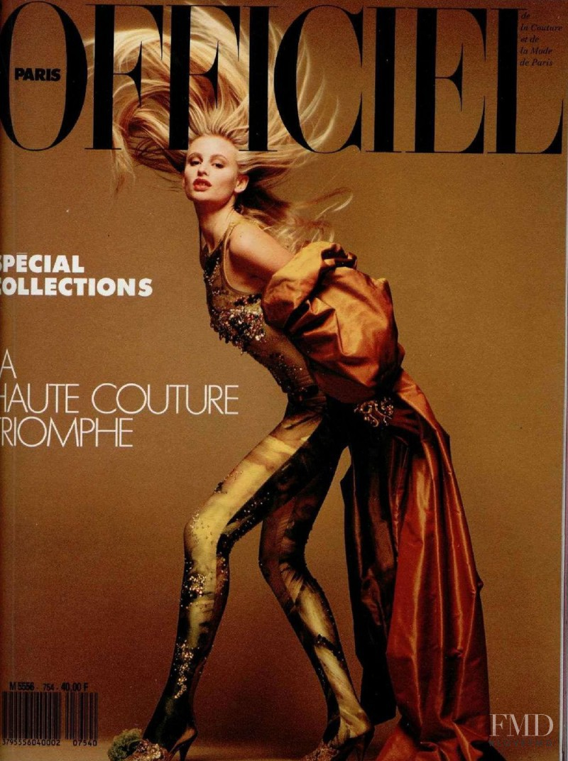 Nathalie Bachmann featured on the L\'Officiel France cover from March 1990
