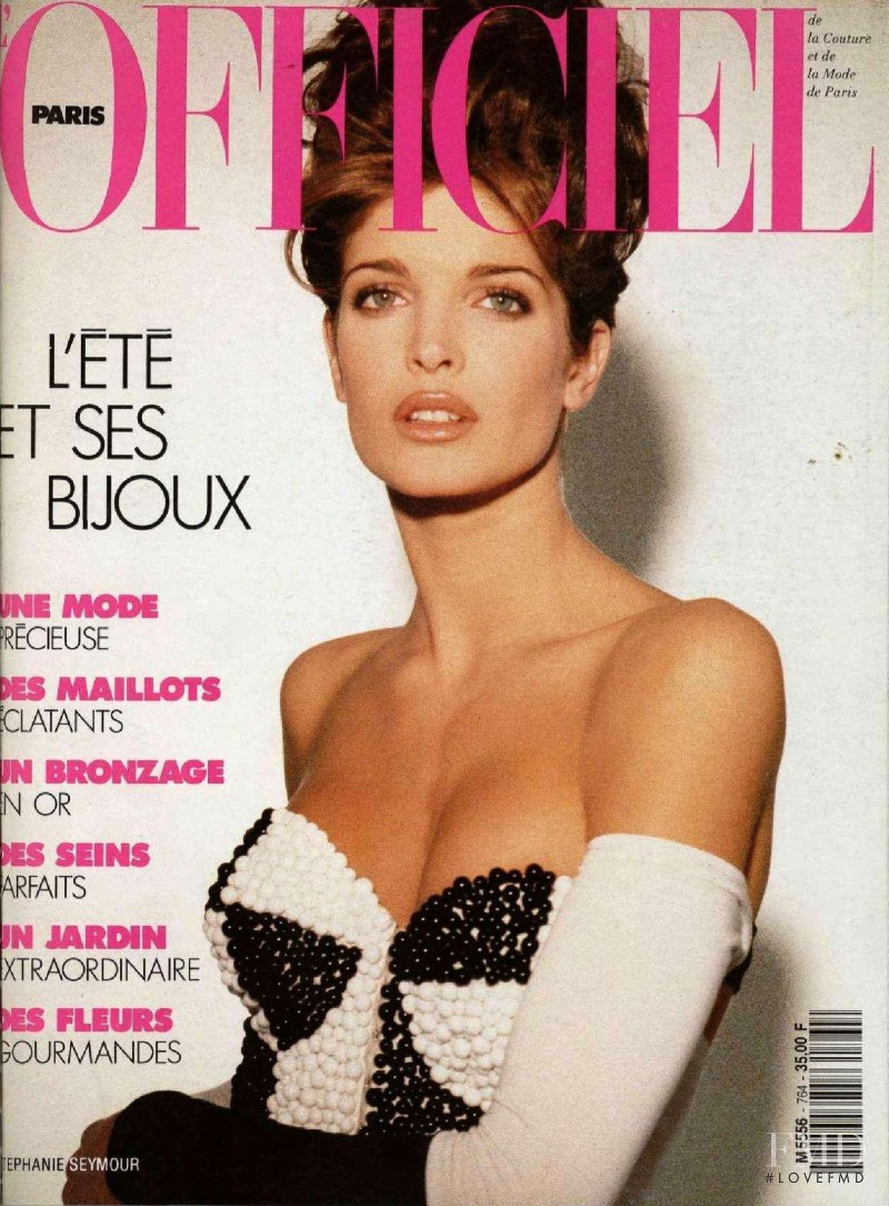 Stephanie Seymour featured on the L\'Officiel France cover from May 1991