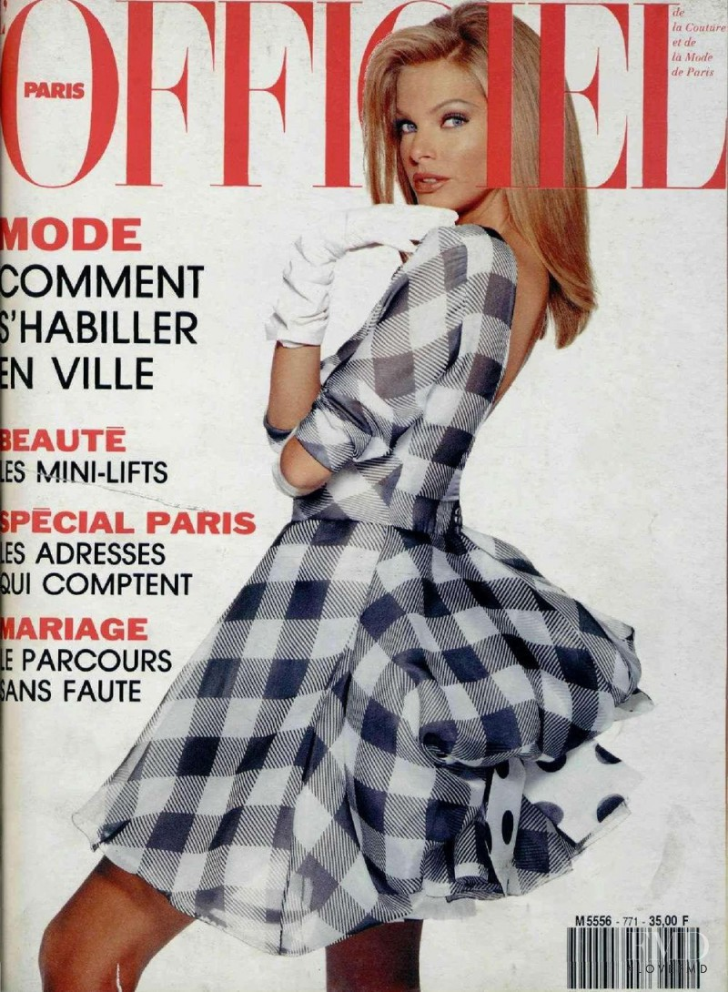 Vera Cox featured on the L\'Officiel France cover from April 1992