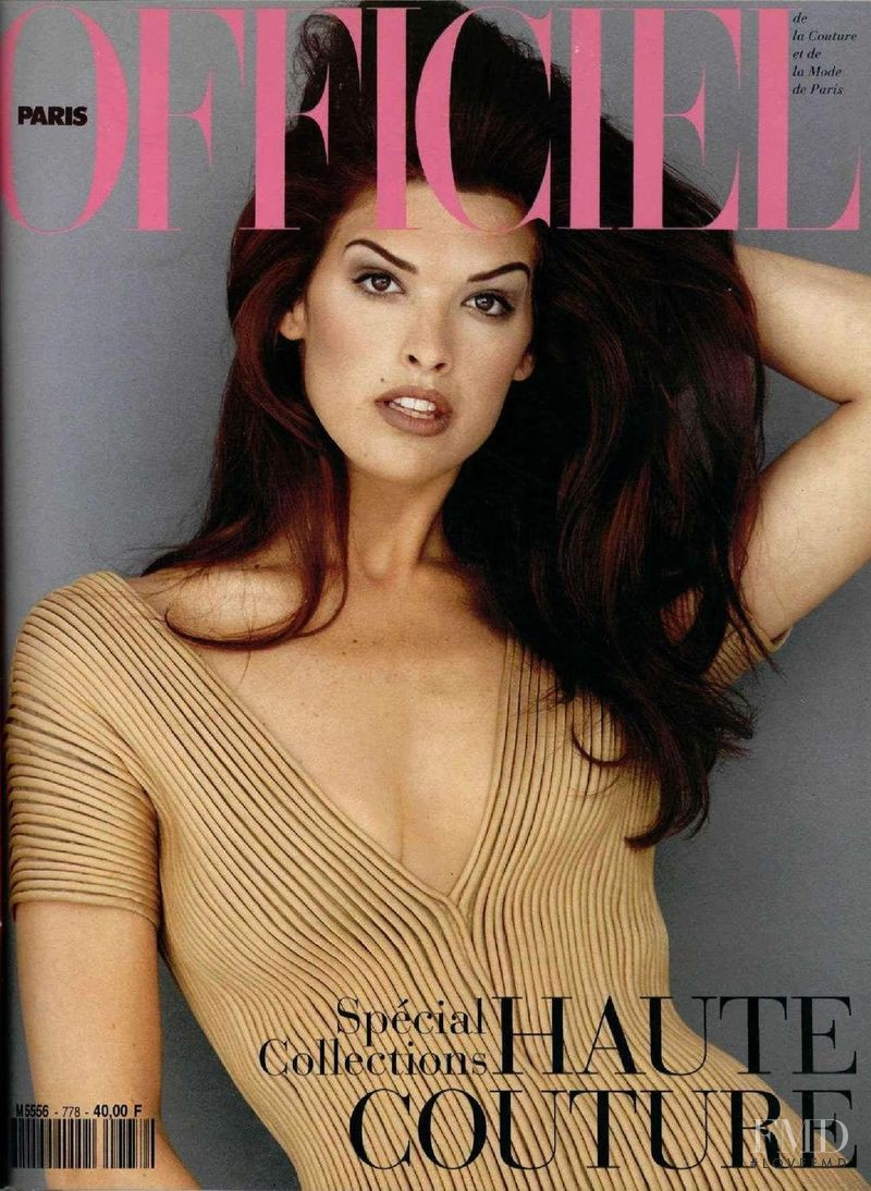 Cindy Crawford featured on the L\'Officiel France cover from March 1993