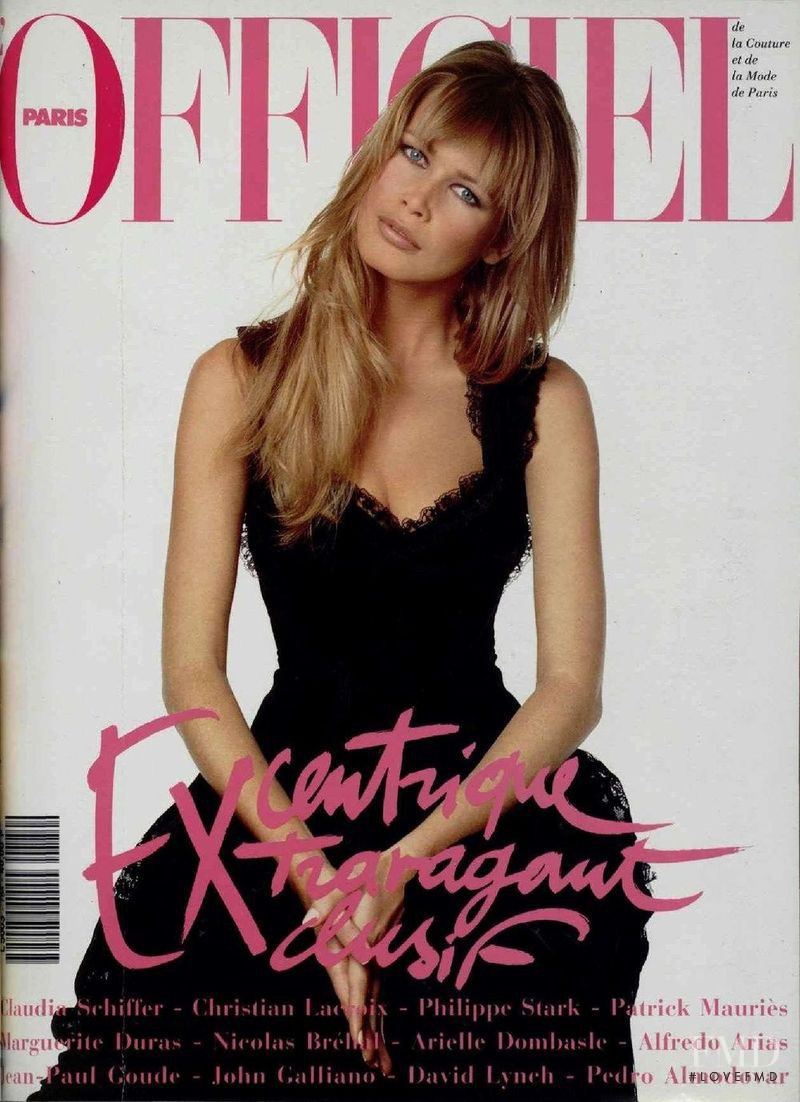 Claudia Schiffer featured on the L\'Officiel France cover from October 1993